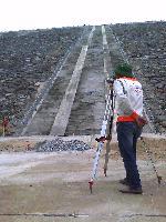 Thành lập lưới quan trắc chuyển dịch bề mặt đập nước hồ cửa Đạt